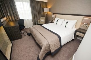 Holiday Inn Aberdeen AEC Bedrooms - Bedroom by Occa Design