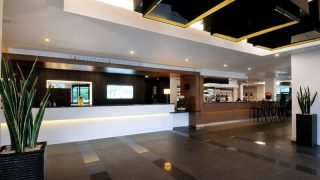 Holiday Inn Express Heathrow T5 - Reception Areas by Occa Design